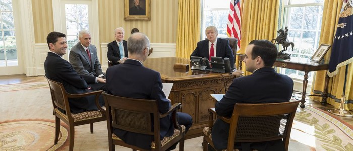 Trump and Republicans in Oval Office
